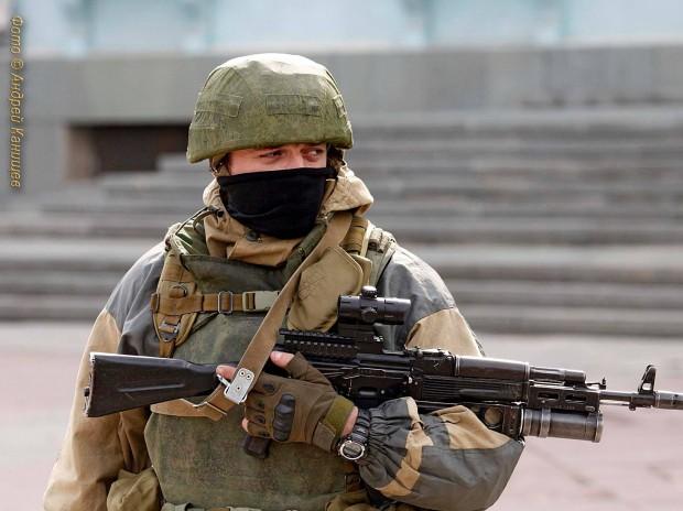 AK Troops in Simferopol