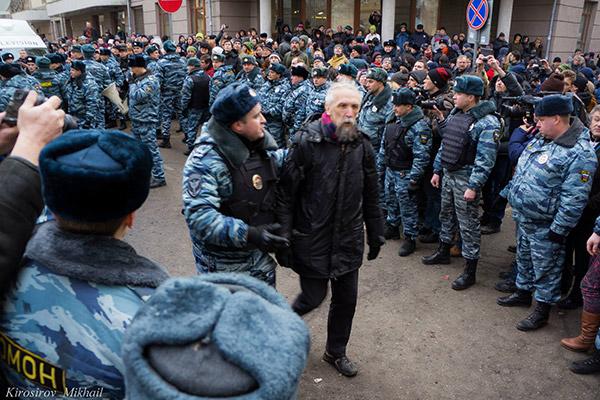 Prominent Russian mathematician Viktor Vasilyev arrested at the Bolotnaya defendants' trial 21 February 2014. Photo by Mikhail Kirosirov