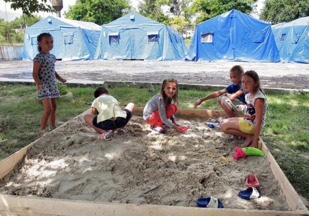 Refugee children in EMERCOM tent camp in Russian-occupied Crimea. Photo by Voice of Russia